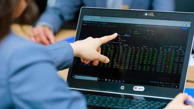 """""""Săn"""" cổ phiếu được dự báo lợi nhuận tăng đột biến quý 2/2021"""