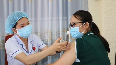 Hà Nội phân bổ 3 loại vaccine phòng Covid-19 cho 30 quận, huyện, thị xã