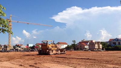 Quang Binh adjusts major projects