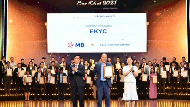 """Giải pháp eKYC của MB giành giải thưởng """"Sao Khuê 2021"""""""