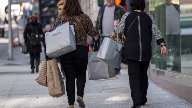 Tăng trưởng bùng nổ, kinh tế Mỹ vẫn chưa hoàn tất hồi phục hậu Covid-19