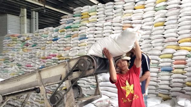 Việt Nam vẫn xếp trên Thái Lan về sản lượng gạo xuất khẩu 2021
