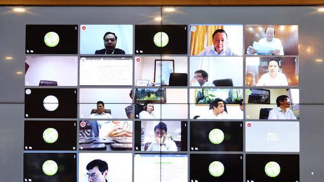 Dịch Covid diễn biến phức tạp, hàng loạt bộ ngành kích hoạt họp trực tuyến