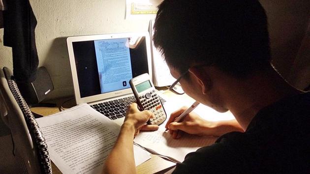 Hà Nội: Học sinh lớp 12 sẽ làm bài kiểm tra khảo sát trực tuyến từ ngày 28-30/5
