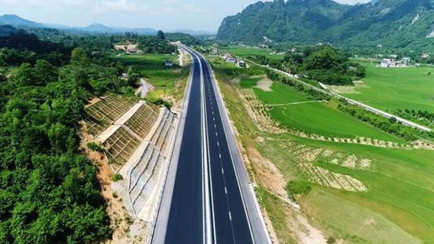 Thu phí các tuyến cao tốc do Nhà nước đầu tư: Lợi bất cập hại?
