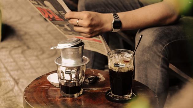 Cơ hội và thách thức nào cho kinh doanh cà phê bình dân?