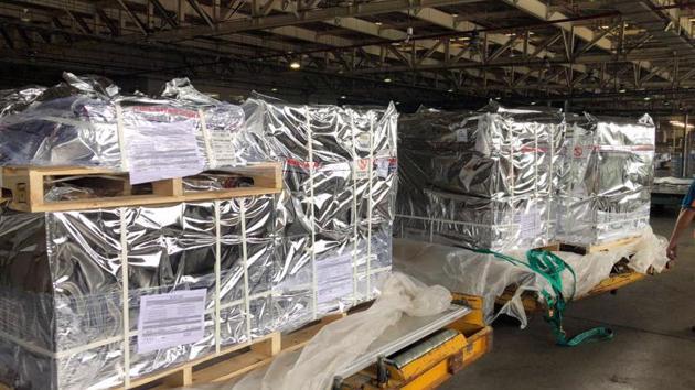 Batch of Pfizer antiviral medication arrives in Vietnam