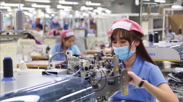 Hà Nội nới giãn cách, kịch bản nào cho thị trường lao động thời gian tới?