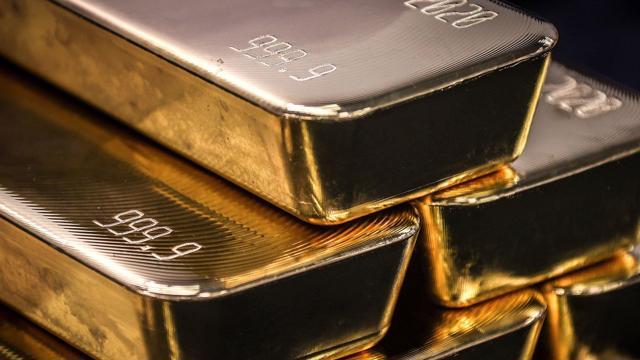 Giá vàng thế giới hoàn tất tháng tăng đầu tiên trong năm 2021 - giá vàng