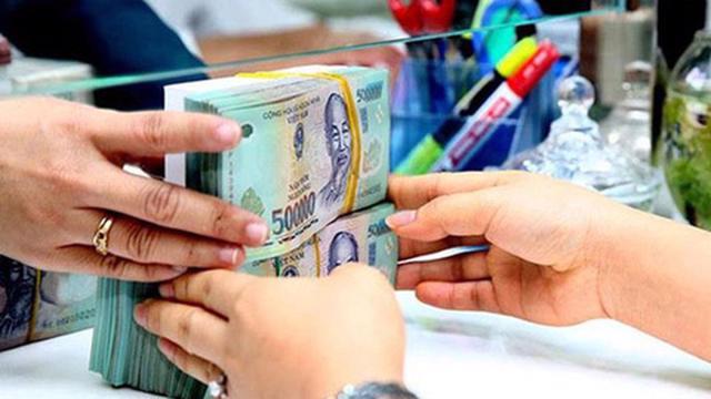 Giao dịch liên ngân hàng đột biến gấp đôi cùng kỳ, lãi suất lập mặt bằng cao mới