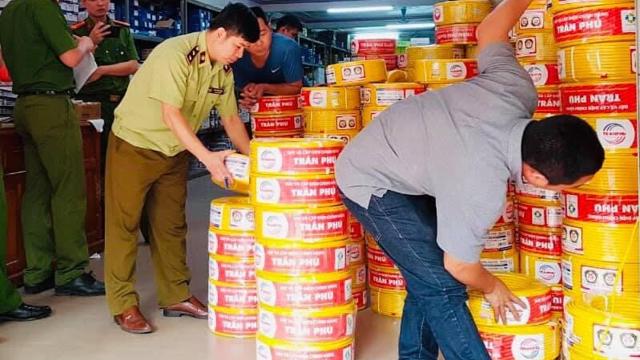 Chuyển hồ sơ sang công an: Vụ kinh doanh dây điện giả nhãn hiệu Trần Phú