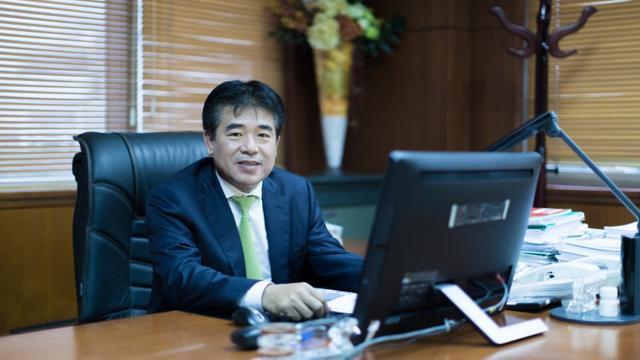 HPG thăng hoa, lãnh đạo Hoà Phát chuyển nhượng hàng chục triệu cổ phiếu cho con