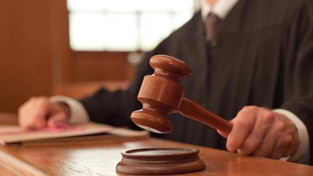 SSC xử phạt hàng loạt lãnh đạo và người liên quan do mua bán quên báo cáo - vietllot 655