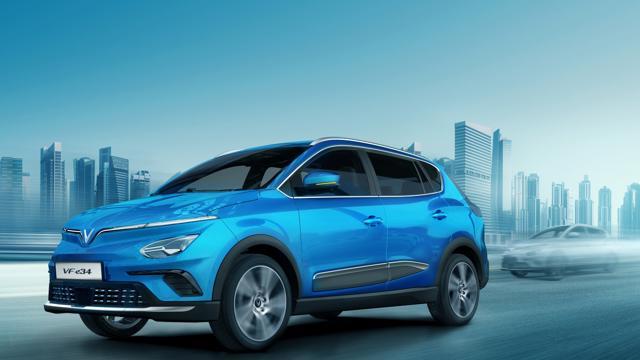 Kỷ lục hơn 25.000 đơn đặt hàng ô tô điện VinFast