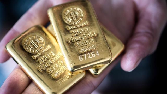 Giá vàng giằng co theo số liệu kinh tế Mỹ