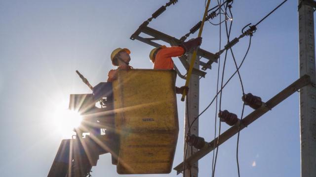 Nắng nóng gay gắt, tiêu thụ điện miền Bắc tăng cao trở lại - gi�� v��ng h��m nay