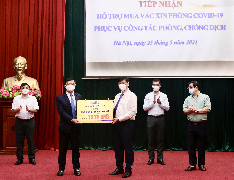T&T Group trao tặng 1 triệu liều vaccine phòng Covid-19 - Ảnh 1
