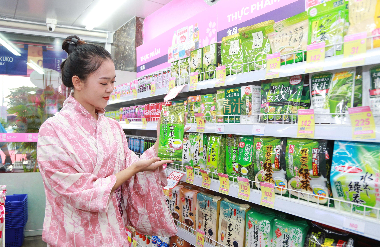 Trà - một trong những sản phẩm thu hút người Nhật mua sắm.