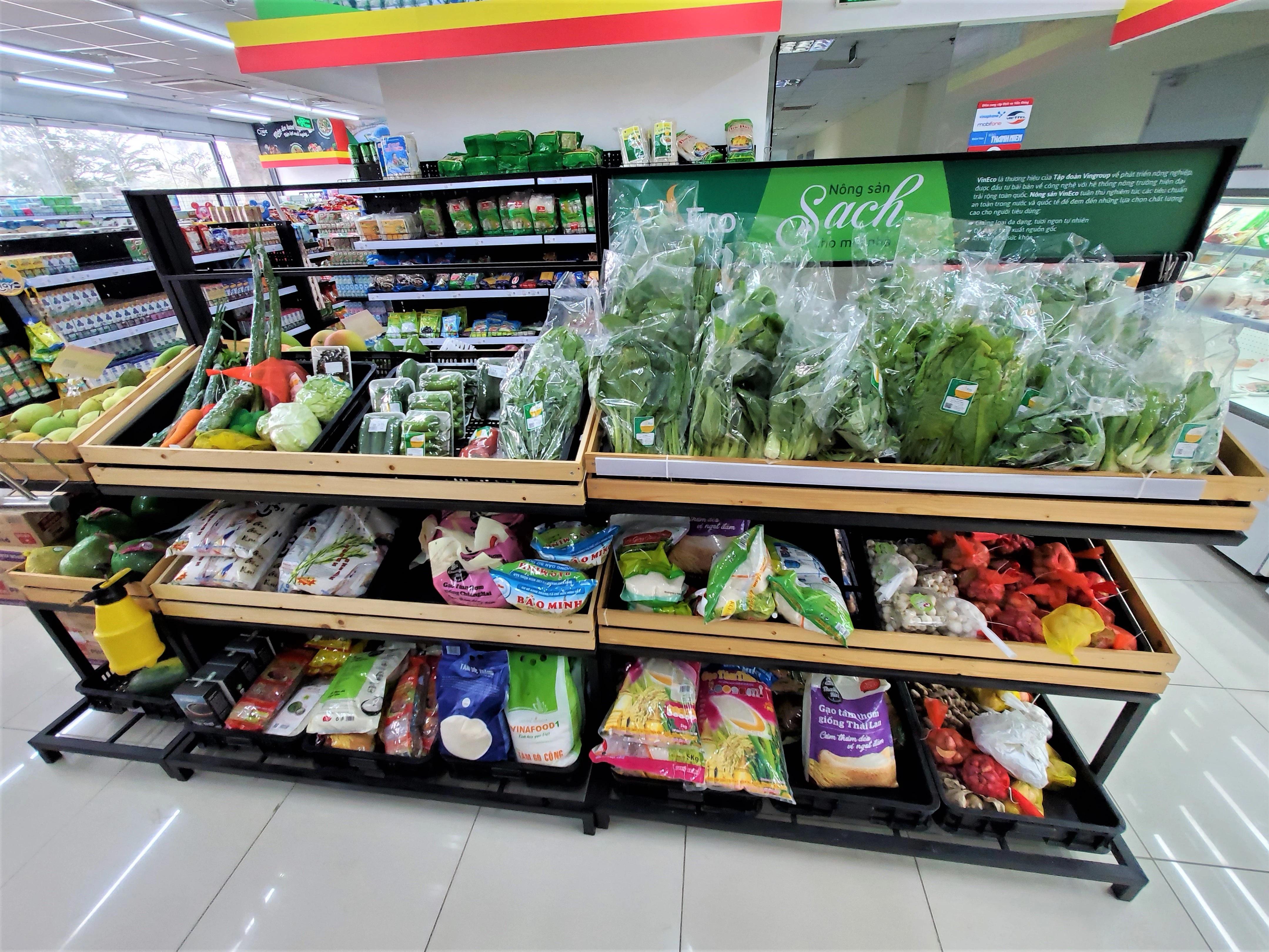 Các siêu thị đều đẩy mạnh bán hàng online để đảm bảo công tác phòng chống dịch.