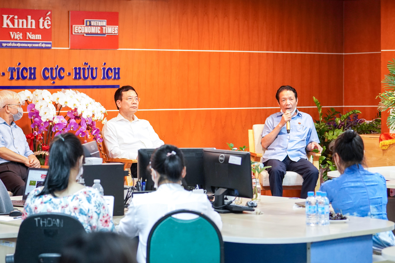 Thứ trưởng Bộ Thông tin và Truyền thông Hoàng Vĩnh Bảo phát biểu tại buổi làm việc.