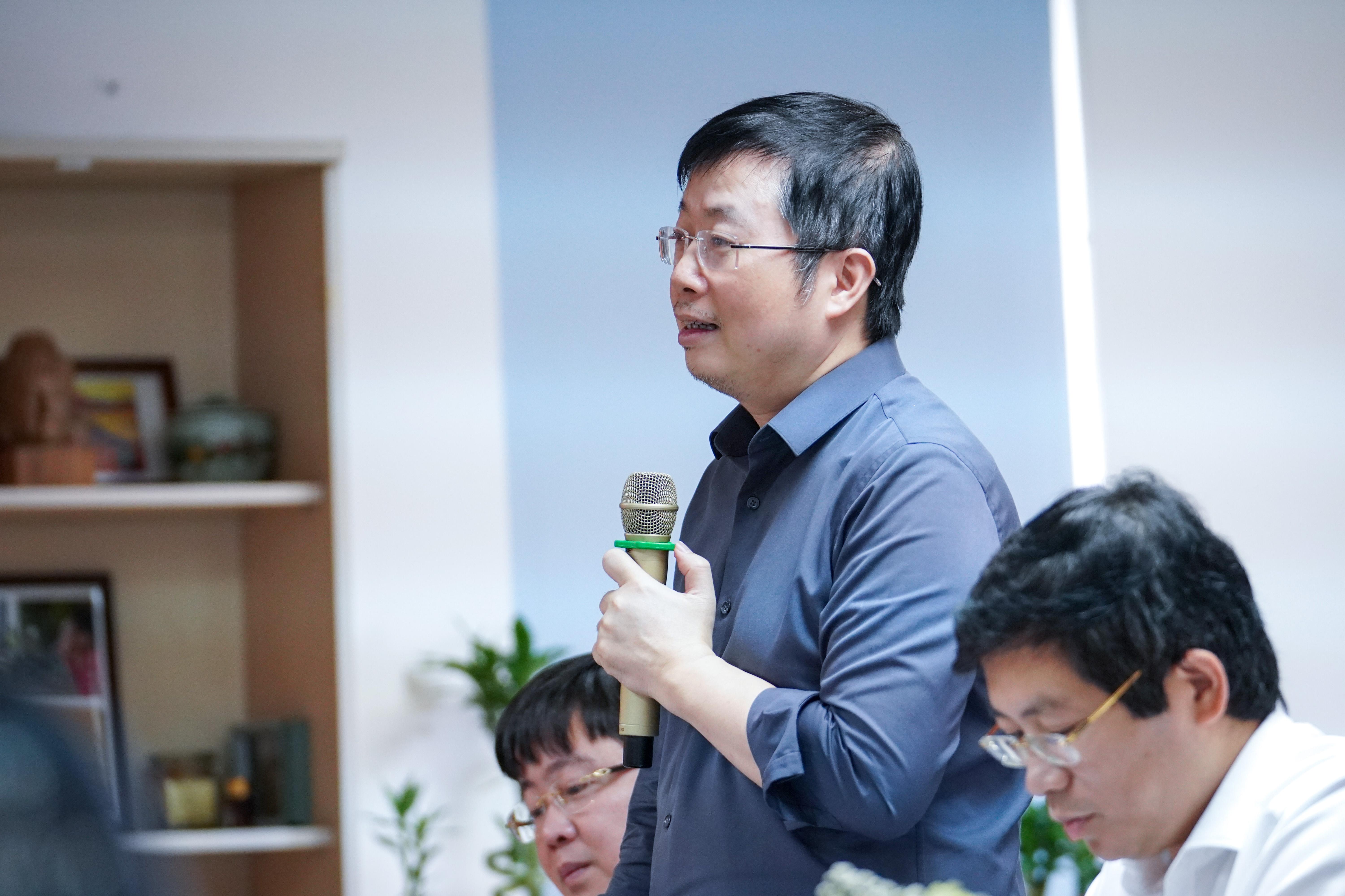 Đồng chí Nguyễn Thanh Lâm, Cục trưởng Cục Báo chí, Bộ Thông tin và Truyền thông phát biểu tại buổi làm việc.