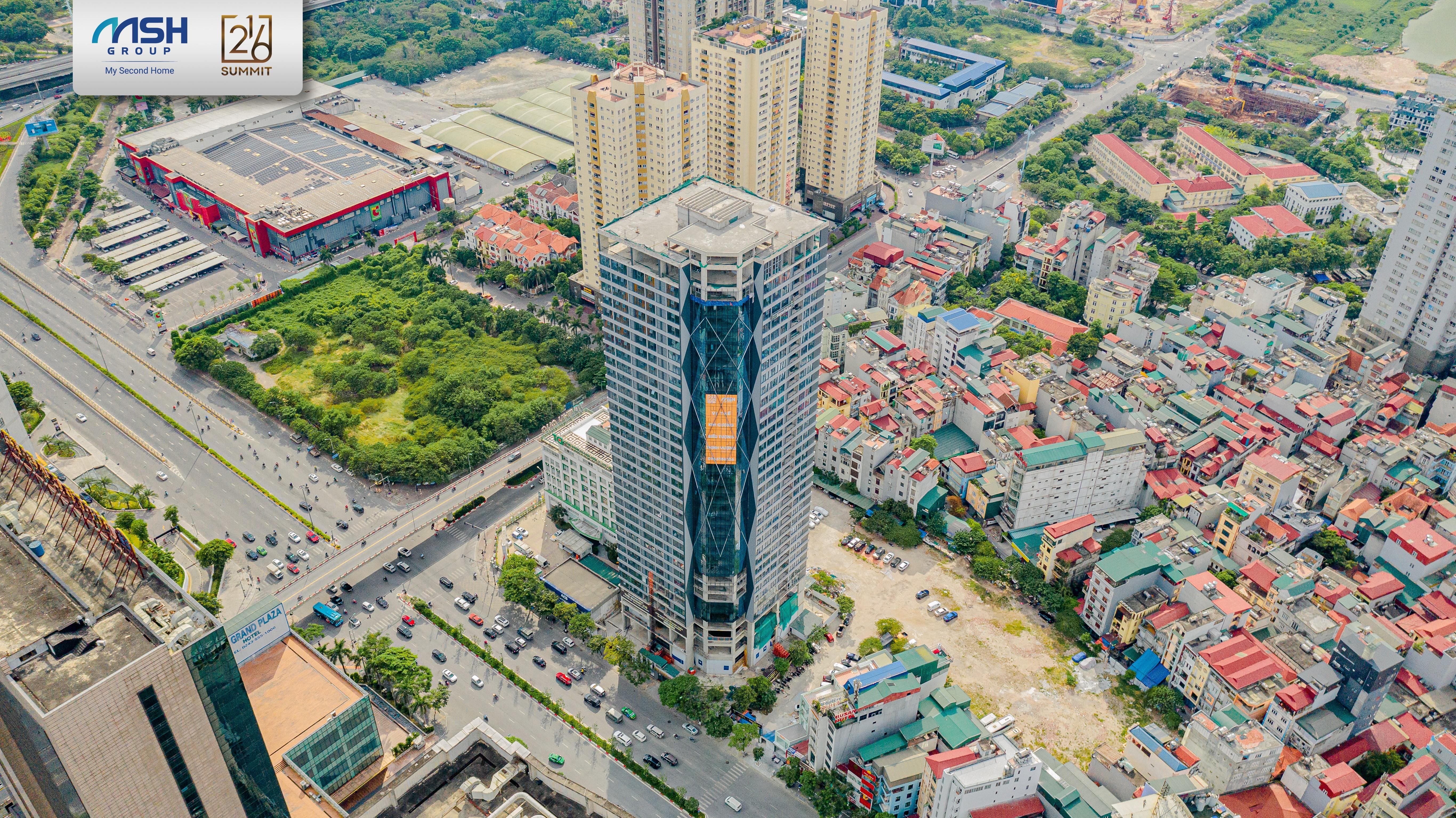 The Summit 216 sở hữu vị trí đắt giá, ngay mặt đường Trần Duy Hưng.