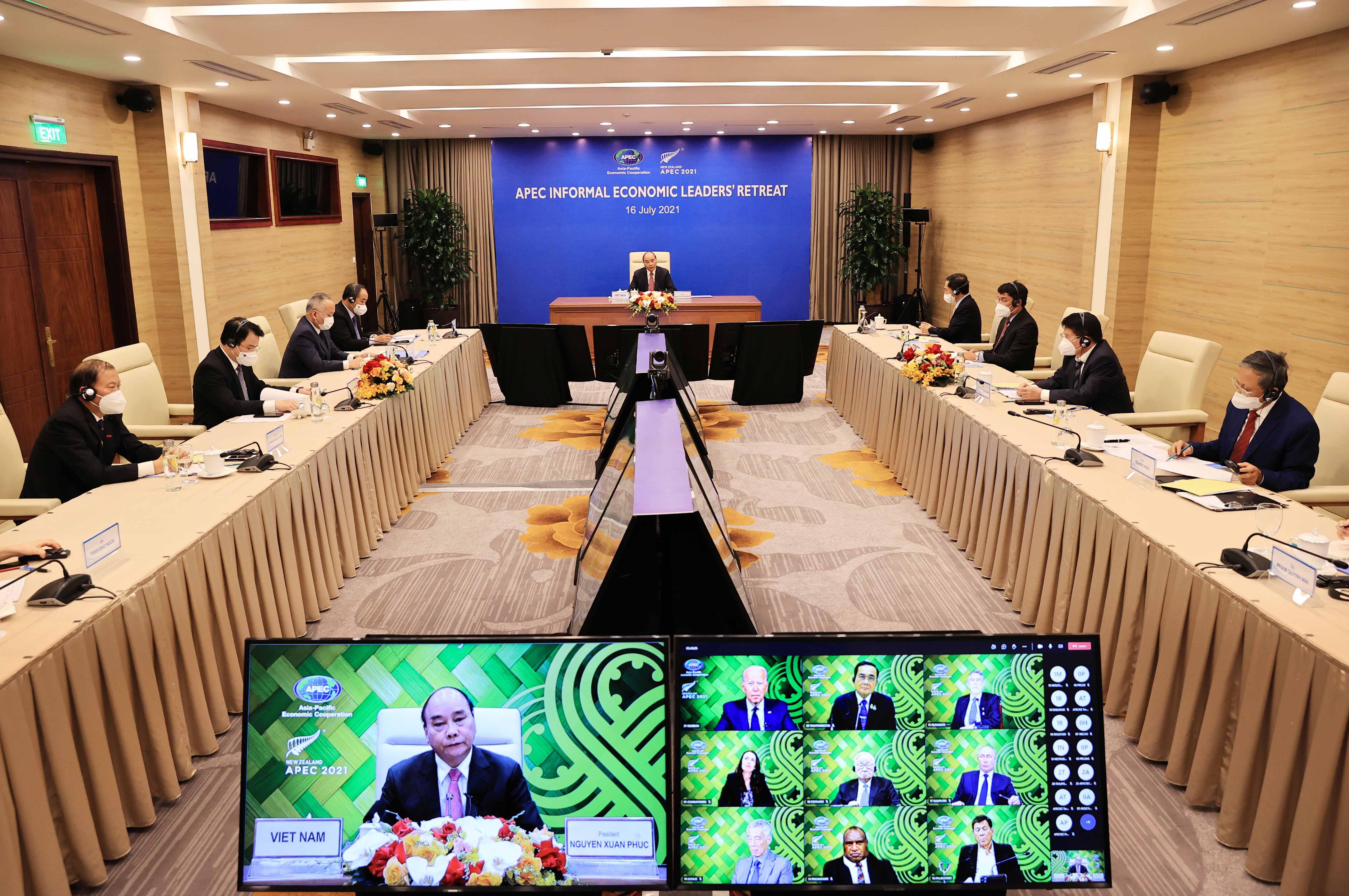 Chủ tịch nước tham dự cuộc họp theo hình thức trực tuyến - Ảnh: TTXVN.