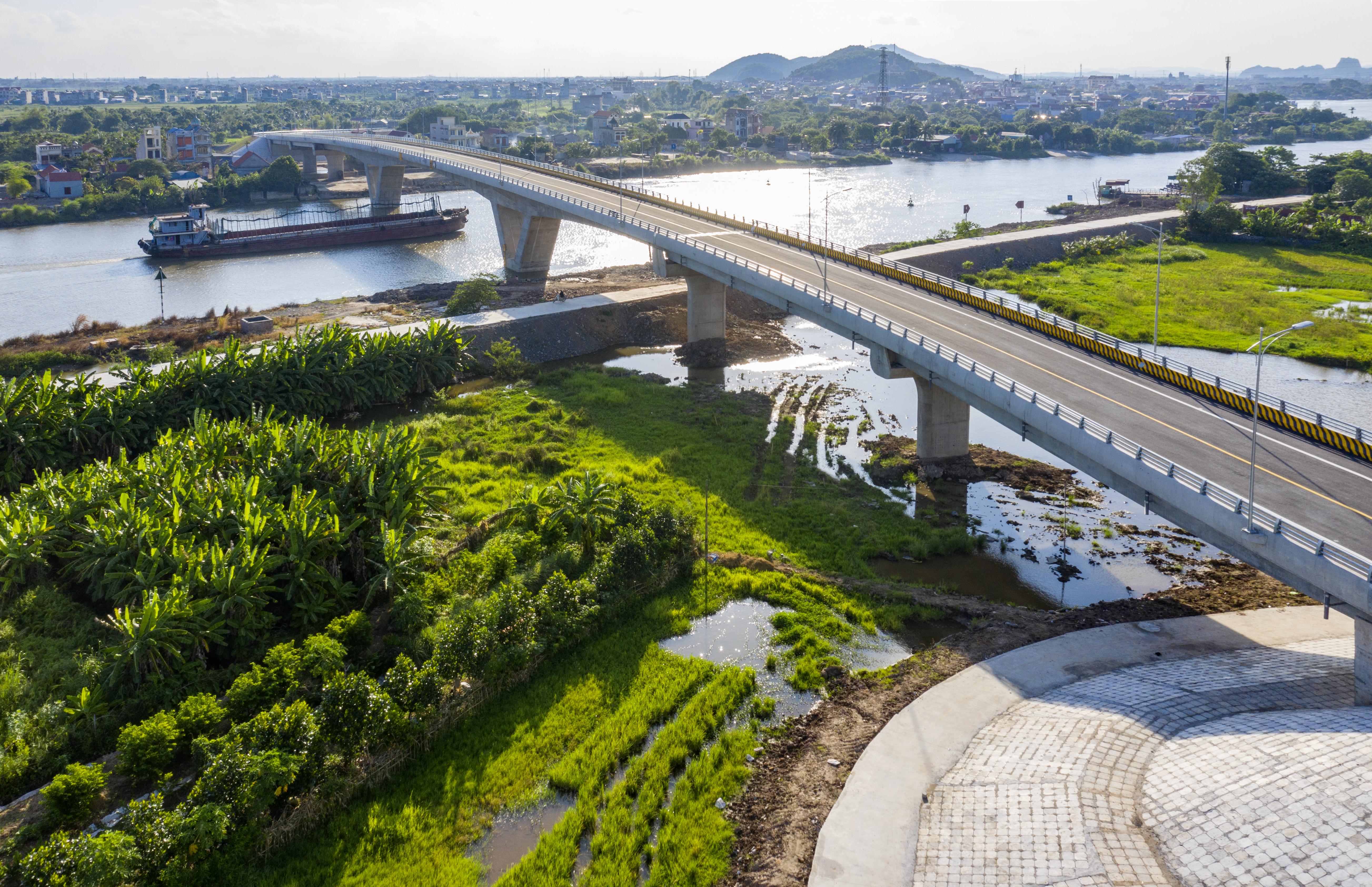 Cầu Dinh được khánh thành sau thời gian thi công
