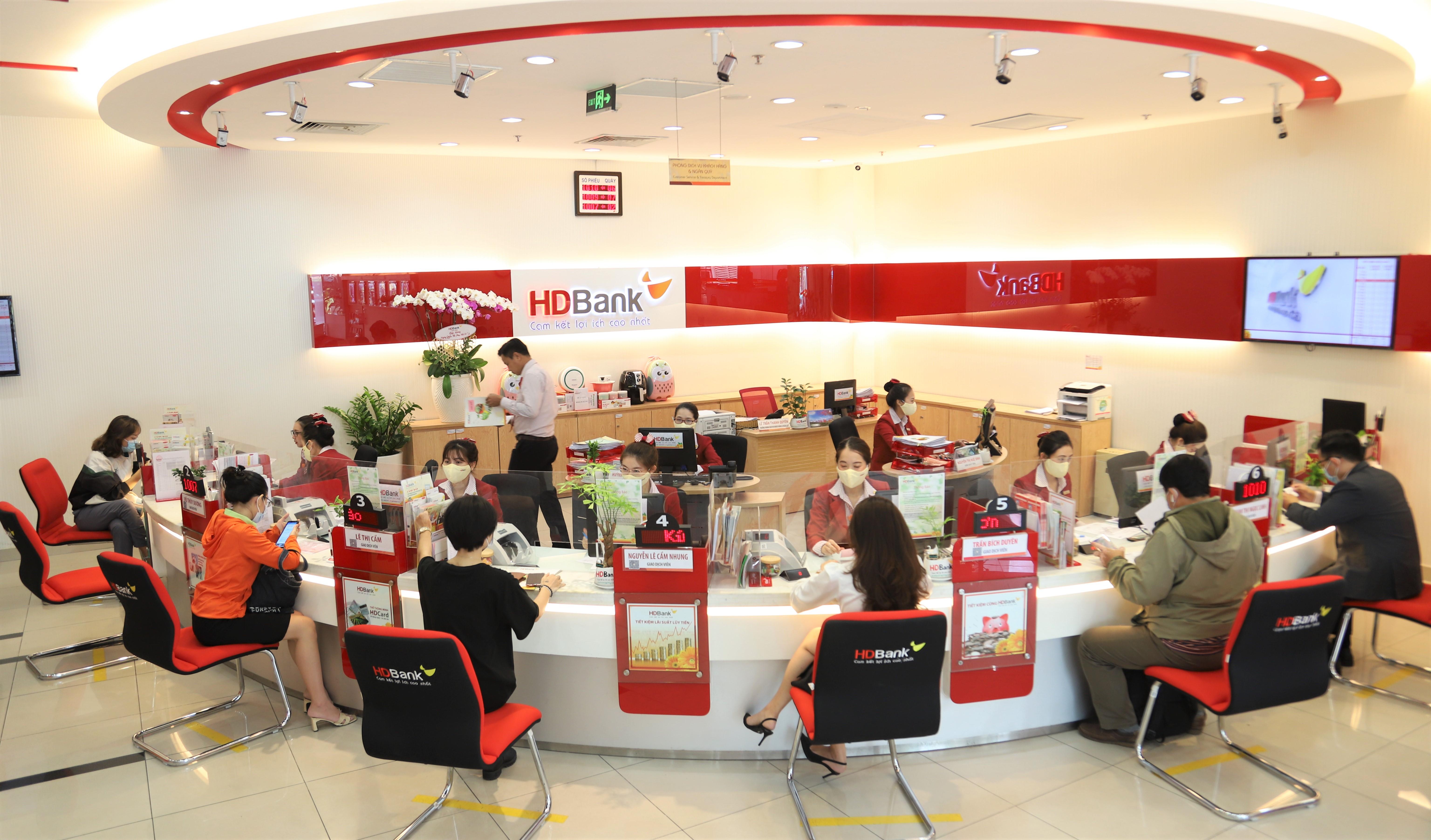 HDBank báo lãi trên 4.190 tỷ, nợ xấu chỉ 0,8% - Ảnh 1