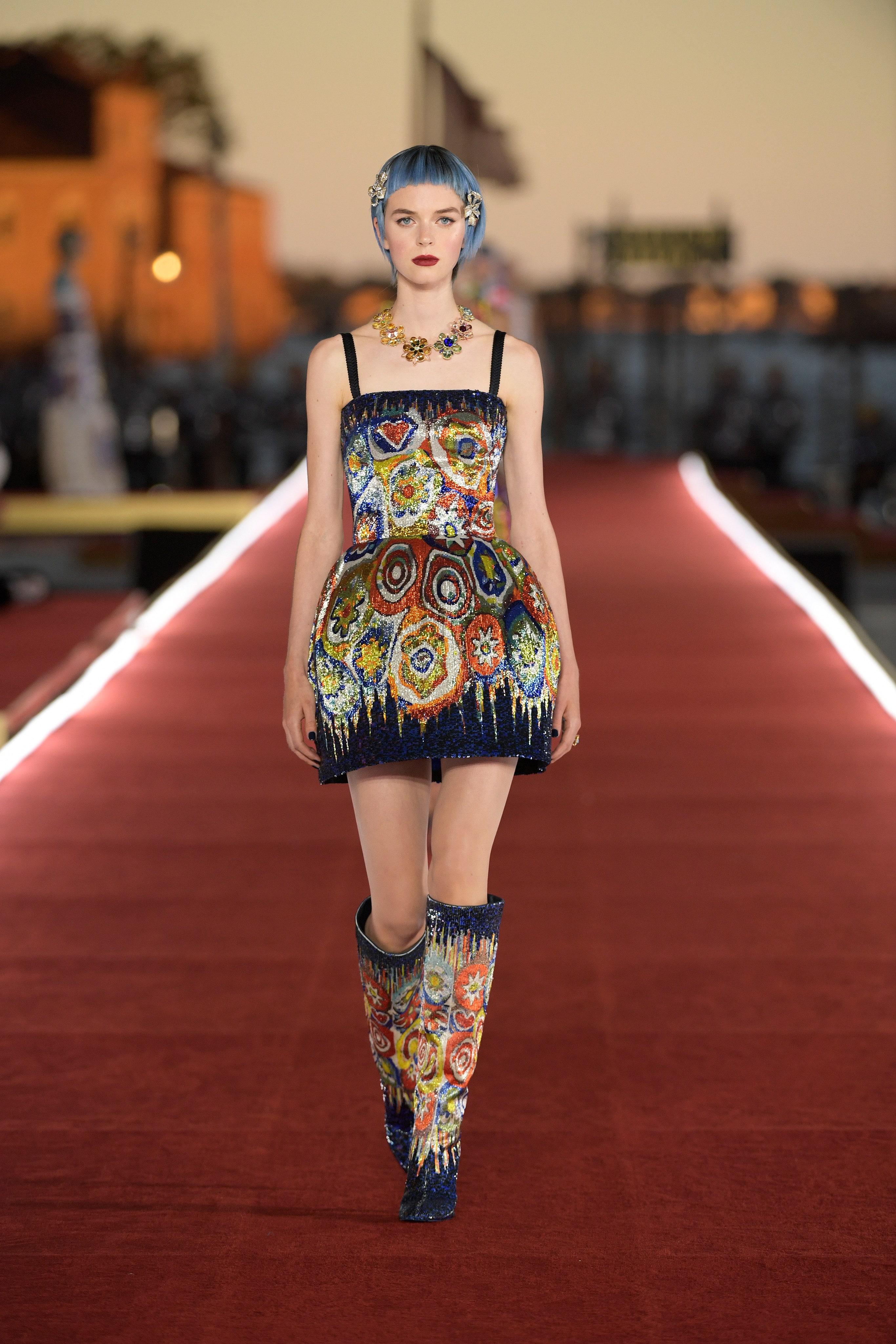 Show diễn Alta Moda của Dolce & Gabbana: Mưa đá và cầu vồng - Ảnh 15
