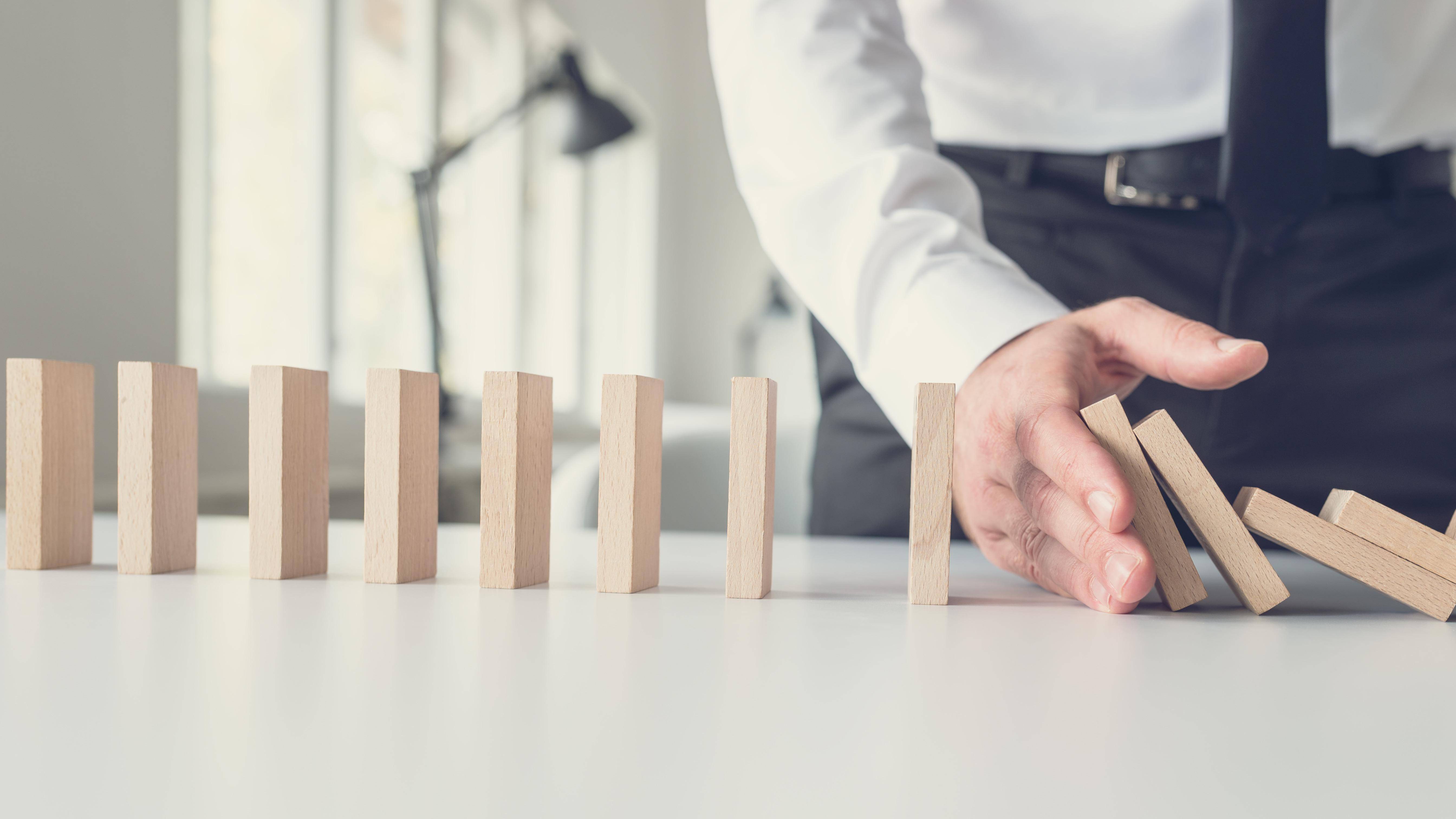 Một nửa số các doanh nghiệp còn đangcố gắng duy trì hoạt động sản xuất kinh doanh cho biết dòng tiền hiện tại chỉ có thể giúp duy trì họ hoạt động từ 1 đến dưới 3 tháng.