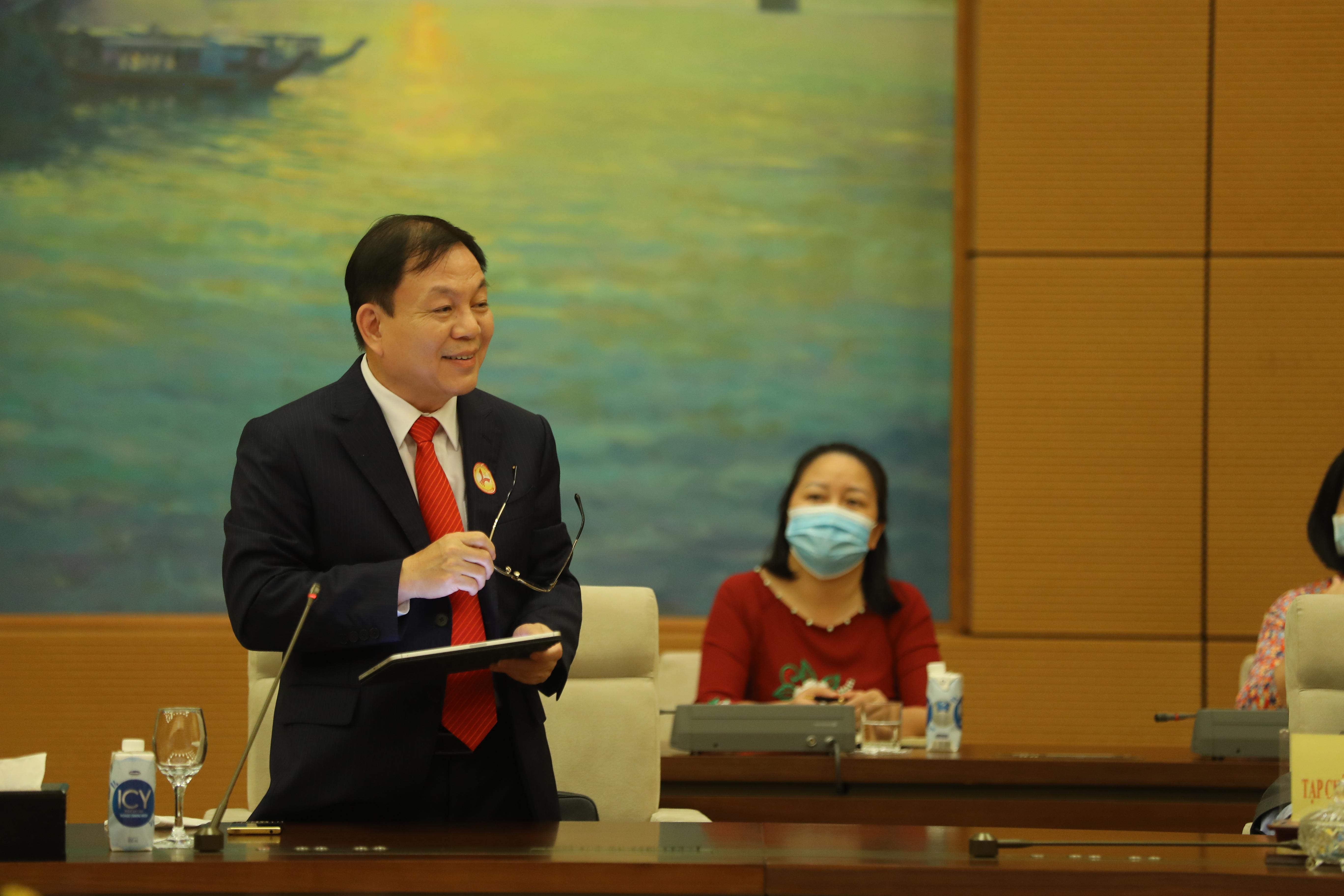 Ông Lê Đăng Dũng, Tổng giám đốc Tập đoàn Viễn thông quân đội Viettel phát biểu tại buổi họp mặt - Ảnh: Giang Nam.