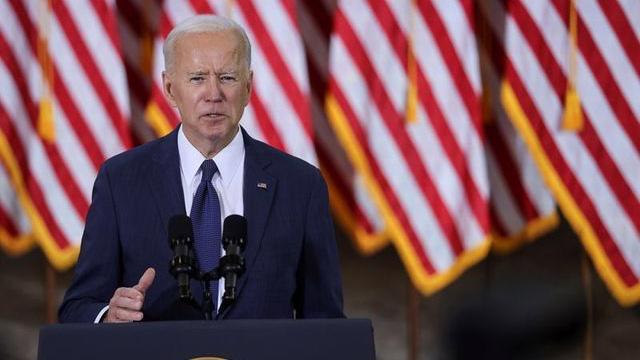 Tổng thống Mỹ Joe Biden công bố gói hạ tầng 2 nghìn tỷ USD, từ Pittsburgh, ngày 31/3 - Ảnh: Reuters.