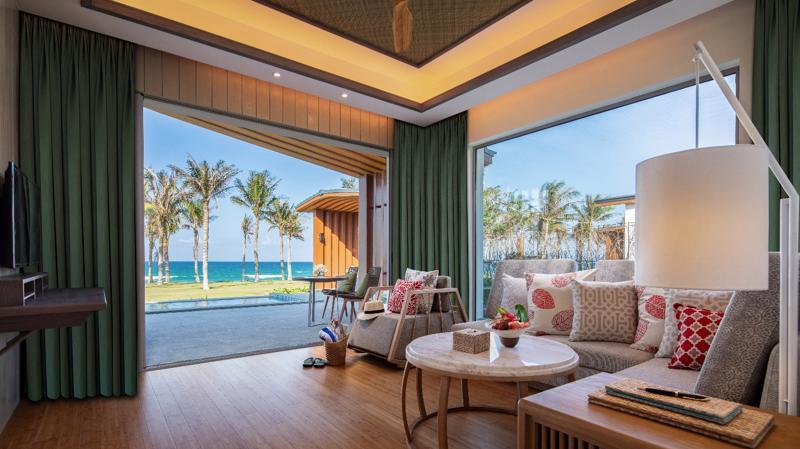 100% các căn biệt thự nghỉ dưỡng Ocean Luxury Villa by Radisson Blu đều có tầm nhìn trực diện biển.