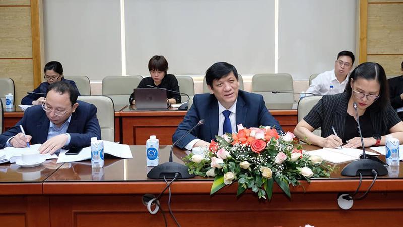 Bộ trưởng Bộ Y tế Nguyễn Thanh Long làm việc với các đại sứ liên quan đến vấn đề vaccine Covid-19. Ảnh - Trần Minh.