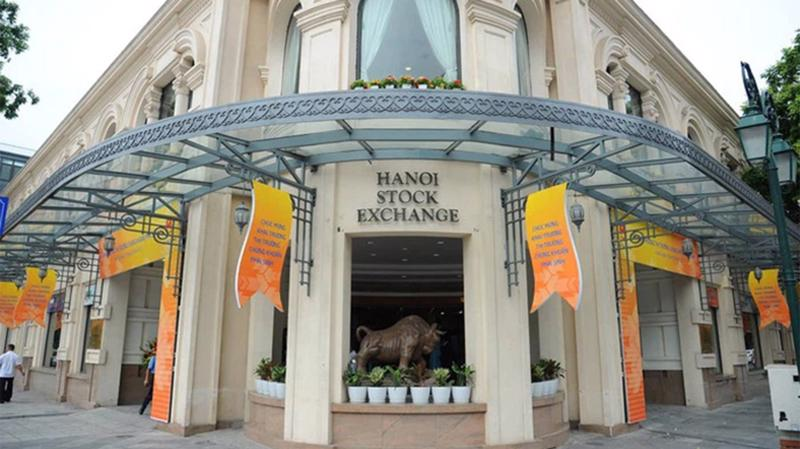 Tổng số doanh nghiệp niêm yết cổ phiếu trên HNX tại ngày giao dịch cuối cùng của tháng là 356 doanh nghiệp với tổng giá trị niêm yết đạt hơn 136 nghìn tỷ đồng.