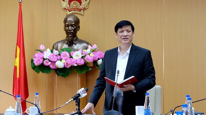 Bộ trưởng Bộ Y tế Nguyễn Thanh Long lo ngại về nguy cơ xuất hiện làn sóng dịch mới trong cuộc họp sáng 26/3. Ảnh - Tuấn Dũng.