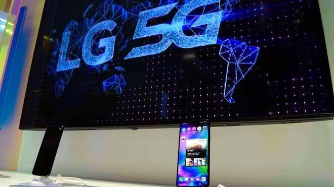 Hiện tại, LG chỉ nắm 2% thị phần smartphone toàn cầu - Ảnh: AP