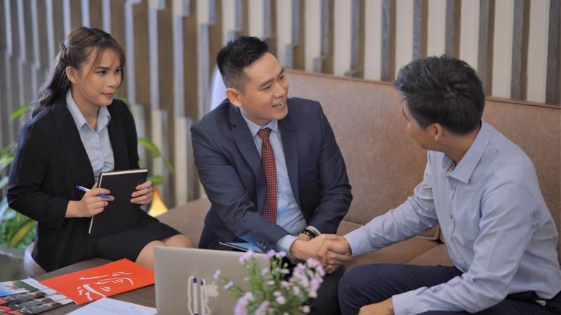 """Năm 2020, Prudential Việt Nam tiếp tục được ghi nhận trong ngành bảo hiểm và xếp thứ 2 trong """"Top 10 thương hiệu có Trải nghiệm Khách hàng Xuất sắc nhất 2020""""."""