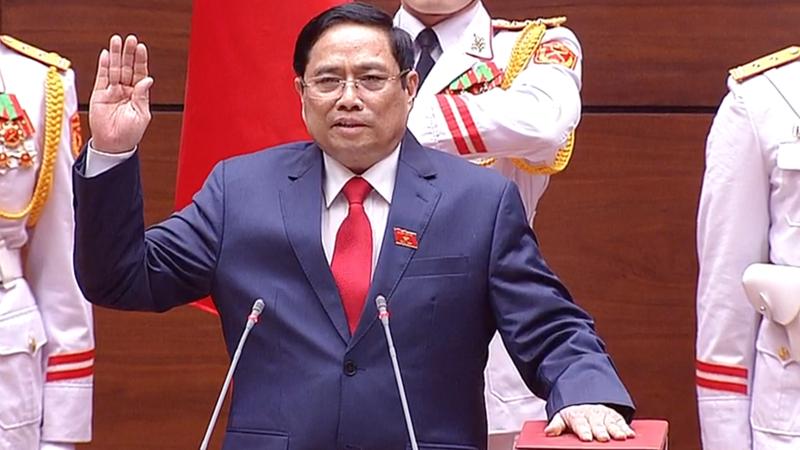 Ông Nguyễn Minh Chính tuyên thệ nhậm chức Thủ tướng Chính phủ - Ảnh: VTV