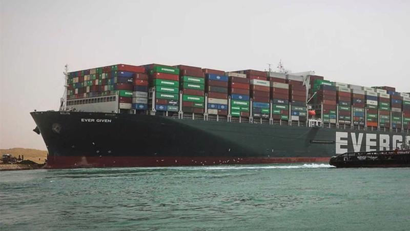 Sau gần một tuần mắc cạn ở kênh đào Suez, con tàu container khổng lồ Ever Given cuối cùng đã được giải cứu vào ngày 29/3