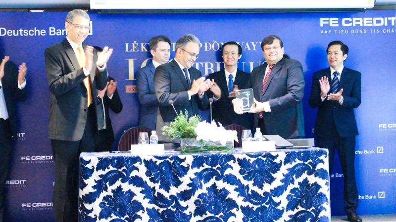 Đang nắm giữ gần 50% thị phần trong lĩnh vực tài chính tiêu dùng tại Việt Nam, theo FE Credit, khoản vay này sẽ góp phần gia tăng tiềm lực tài chính, hỗ trợ công ty tiếp tục phát triển kinh doanh và củng cố vị thế dẫn đầu trong lĩnh vực tài chính tiêu dùng tại Việt Nam.