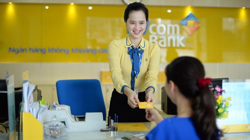 Trong ba ngày từ 1 đến 3/12/2017, khách hàng theo chương trình của PVcomBank được giảm giá 10% khi mua vé Vietnam Airlines.