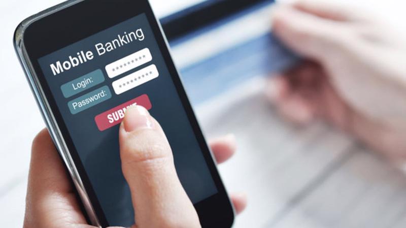 """""""Ngân hàng bán lẻ"""", """"ngân hàng số"""", """"dịch vụ tiện ích"""" đang được lượng hóa giá trị rất cụ thể bằng những con số gia tăng từng năm, cũng như ngày càng thể hiện vị trí danh dự trong cấu phần lợi nhuận cho mỗi ngân hàng Việt."""