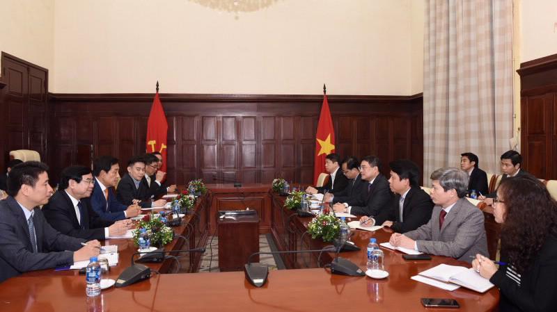 Buổi làm việc giữa Thống đốc Lê Minh Hưng với Chủ tịch tập đoàn tài chính Hana của Hàn Quốc.
