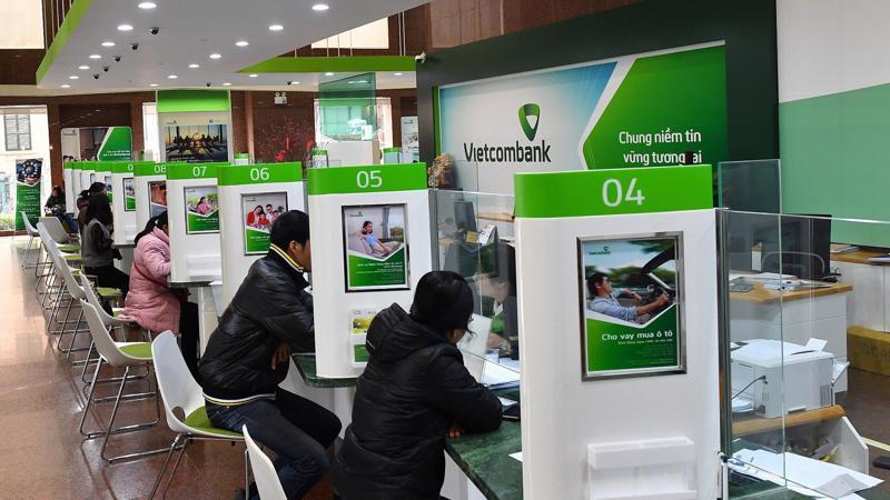 """Sau khi thực hiện một loạt kế hoạch thoái vốn trong năm 2017 và 2018, Vietcombank """"dôi dư"""" cả về vốn cũng như khoảng trống giới hạn đầu tư theo quy định, từ đó có điều kiện để thúc đẩy hoạt động đầu tư tài chính thời gian tới."""