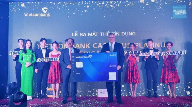 Lễ ra mắt thẻ tín dụng cao cấp Vietcombank Cashplus Platinum American Express.