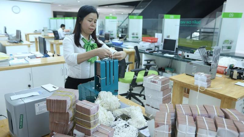 Cân đối vốn hệ thống đã thuận lợi hơn trước, khi thị trường ghi nhận đã có tuần Ngân hàng Nhà nước hút ròng 8.280 tỷ đồng, thay vì hoạt động bơm ròng kéo dài trước đó - Ảnh: Quang Phúc.