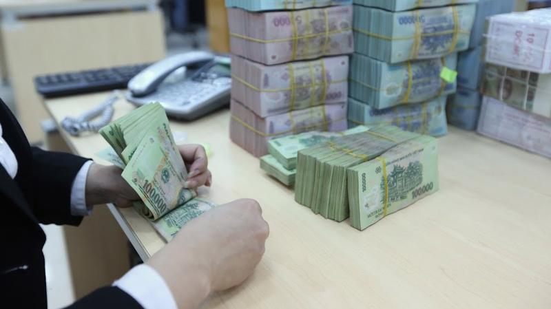 Cho vay khách hàng cá nhân trở thành xu hướng mạnh tại Việt Nam - một thị trường có tỷ lệ dân số trẻ ở mức cao - Ảnh: Quang Phúc.