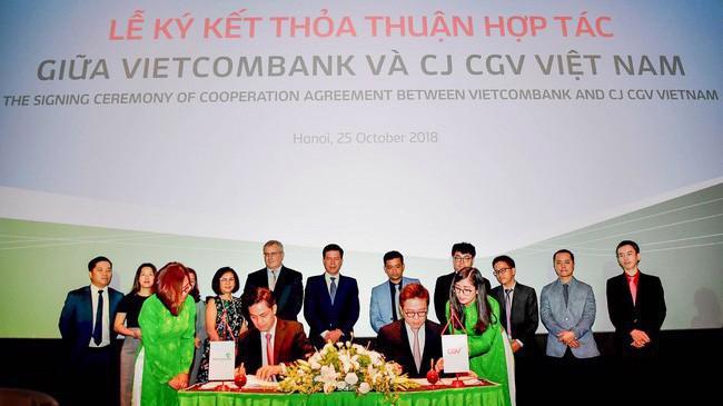 Lễ ký thỏa thuận hợp tác giữa Vietcombank với CGV Việt Nam.